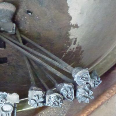 銑鉄と呼ばれる鉄を材料とした鋳物の焼印